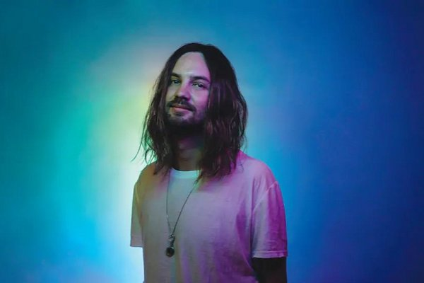 "Tame Impala lanza su cuarto álbum de estudio, ""The Slow Rush"""